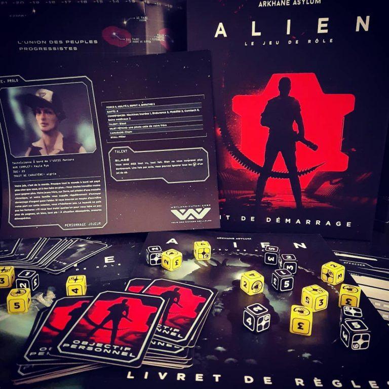 Le contenu du kit de démarrage pour le jeu de rôle Alien